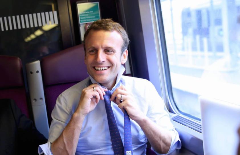 Foto di Macron in treno